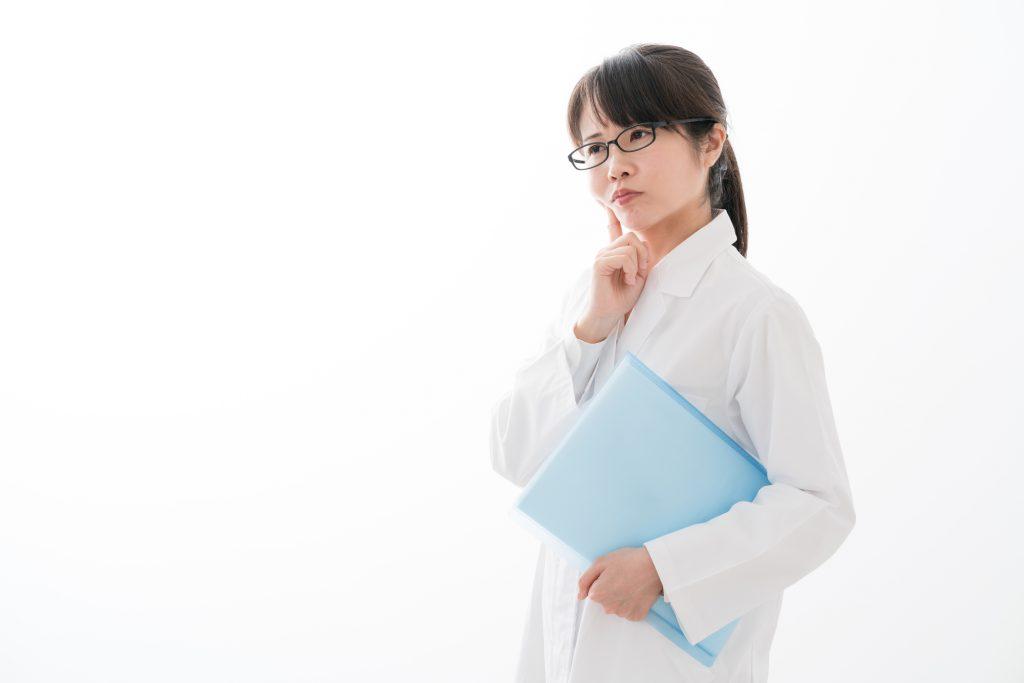 職場で悩む薬剤師